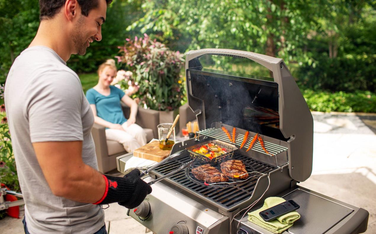 Когда нужно и как готовить на гриле с открытой крышкой?